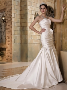 Fashionbale Wedding Dress Mermaid Strapless Ruch Chapel Train Satin