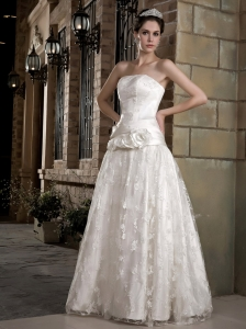 Gorgeous Wedding Dress A-line Strapless Hand Made Flowers Floor-length Taffeta and Lace