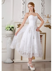 Informal Empire Sweetheart Short Wedding Dress Lace Appliques Tea-length