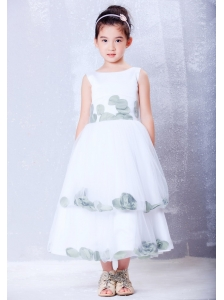Popular White A-line Scoop Hand Made Flowers Flower Girl Dress Tea-length Tulle and Taffeta