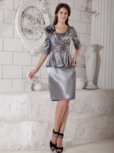 Elegant Grey Column Mother of the Bride Dress Sccop Hand Made Flower Knee-length Satin