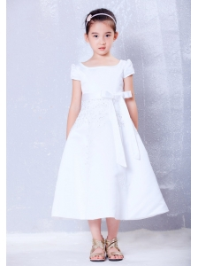 Lovely White A-line Scoop Beading and Bow Flower Girl Dress Tea-length Taffeta