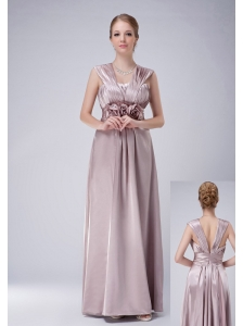 Modest Lilac Empire V-neck Mother Of The Bride Dress Taffeta Hand Made Flowers Floor-length