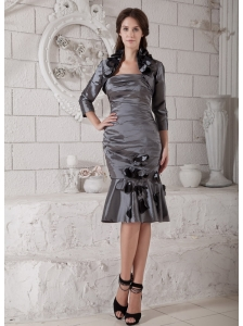 Pretty Grey Mother of the Bride Dress Column Strapless Hand Made Flowers and Ruch Knee-length Taffeta