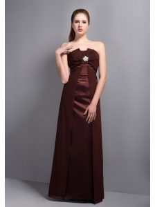 Elegant Burgundy Strapless Bridesmaid Dress with Beading