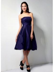 Formal Purple A-Line / Princess Strapless Bridesmaid Dress Taffeta Ruch Knee-length