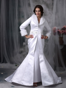 Beautiful Long Floor Length Winter Wedding Jacket Mermaid V-neck Satin