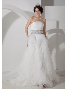 Discount A-line Wedding Dress Appliques Organza Strapless Brush Train