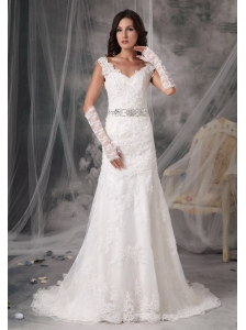 Sexy A-Line / Princess V-Neck Lace Wedding Dress Organza Appliques Court Train