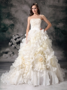 Beautiful Wedding Dress A-line Strapless Organza Hand Made Flower Chapel Train