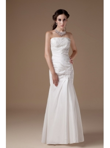 Custom Made Column Strapless Low Cost Wedding Dress Satin Appliques Floor-length