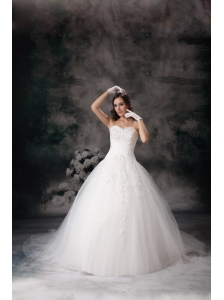 Custom Made Sweetheart Ball Gown Wedding Dress Tulle Appliques Court Train