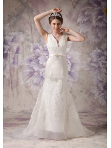 Modest A-line V-neck Low Cost Wedding Dress Taffeta and Organza Lace Court Train