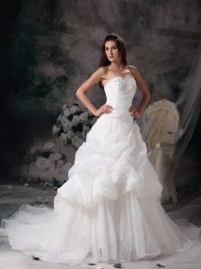 New A-line Sweetheart Wedding Dress Organza Beading Court Train