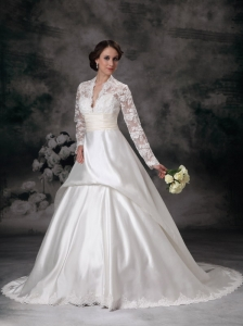 Pretty A-line Wedding Dress V-neck Satin Lace  Court Train