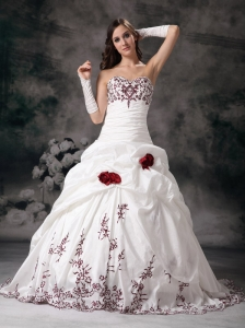 White Ball Gown Sweetheart Wedding Dress Taffeta Embroidery Brush Train