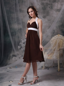 Brown Column Halter Cheap Bridesmaid Dress Chiffon Ruch Knee-length