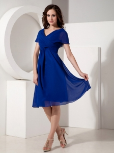 Elegant Royal Blue Mother of the Bride Dress Empire V-neck Chiffon Ruched Knee-length