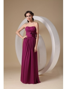 Simple Fuchsia Cheap Bridesmaid Dress Column / Sheath Strapless Chiffon Hand Made Flower Floor-length