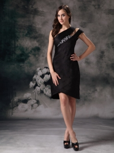 Brand New Black Column / Sheath Asymmetrical Little Black Dress Satin Beading Knee-length