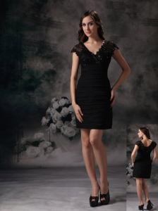 New Black Column / Sheath V-neck Little Black Dress Satin Beading and Lace Mini-length