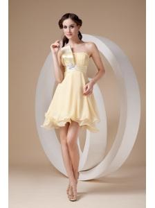 Sweet Light Yellow A-line Prom Dress Strapless Organza Beading Mini-length