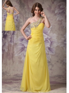 Wonderful Yellow Column One Shoulder Evening Dress Chiffon Ruch And Beading Floor-length