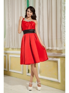 Red Bridesmaid Dress Under 100 A-line / Princess One Shoulder  Satin Ruch Knee-length