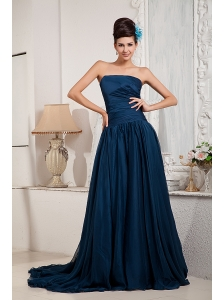 Elegant Peacock Green Mother Of The Bride Dress A-line / Princess Strapless Chiffon Ruch Court Train