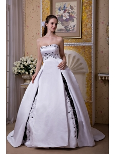 Elegant Ball Gown Strapless Wedding Dress Satin Embroidery Chapel Train