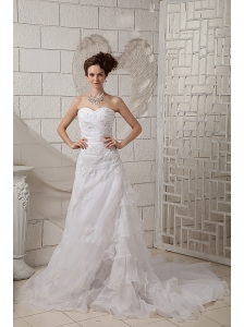 Exquisite A-line Sweetheart Wedding Dress Organza Appliques Court Train