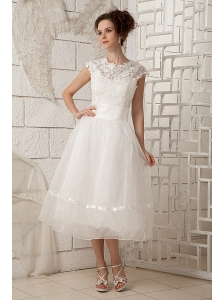 Lovely A-line Scoop Short Wedding Dress Organza Lace Tea-length