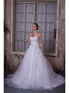 Modest A-line Sweetheart Chapel Train Taffeta and Organza Appliques and Hand Made Flower Wedding Dress