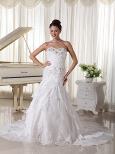 Fashionable Beading and Layers Wedding Gown With Taffeta Sweetheart Court Train In Georgia