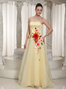 Hand Made Flowers Beading Organza Light Yellow Prom Dress With Floor-length Strapless