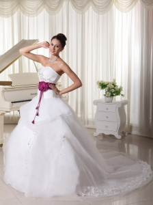 Organza Court Train Beautiful A-line Weding Dress With Hand Made Flowers Belt and Beaded Bust Sweetheart