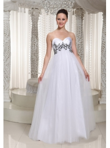 White Appliques Prom Dress For Formal Evening With Sweetheart Floor-length