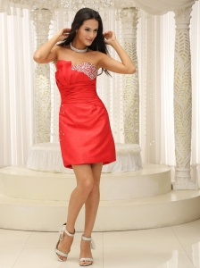 Beaded and Ruched Bodice Strapless Red Homecoming Dress For Cocktail Party