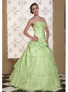 Beaded Decorate Bust Sweet Quinceanera Dress For 2013 Yellow Green Taffeta and Organza Gown