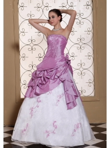 Hand Made Flowers Onside Embroidery With Beading Taffeta and Organza Dama Dresses for Quinceanera 2013