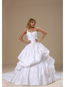 Appliques Decorate One Shoulder Neckline and  Bodice Pick-ups Taffeta Ball Gown 2013 Wedding Dress Chapel Train