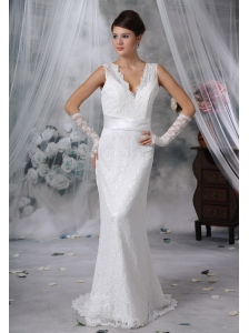 Hampton Iowa  V-neck Lace Decorate Bodice Sash Bowknot Brush Train Wedding Dress For 2013