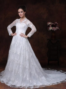 Lace A-Line / Princess V-neck Court Train Muslim Wedding Dress Long Sleeves Zipper-up