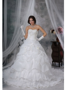 Washington Iowa Beaded and Appliques Decorate Bust Hand Made Flowers Pick-ups Organza Chapel Train Wedding Dress For 2013