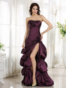 2013 High Slit Burgundy Column Evening Dress Appliques and Ruch