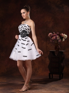 Black Appliques and Hand Made Flower Belt For White Cocktail / Homecoming Dress Mini-length