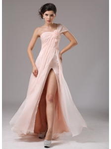 Light Pink One Shoulder and Hand Made Flowers For 2013 Evening Dress Custom Made