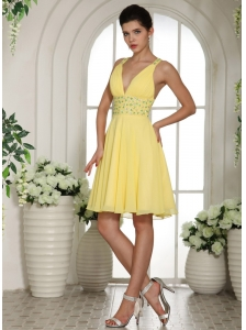 Light Yellow V-neck Empire Prom Cocktail Dress With Beaded Decorate Mini-length
