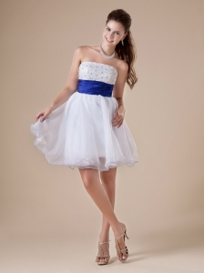 White Short Prom Dress  For Party With Princess Beaded Decorate Strapless Neckline