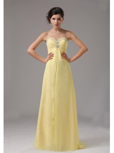 Yellow Custom Made Sweetheart Chiffon Prom Dress With Beaded Decorate